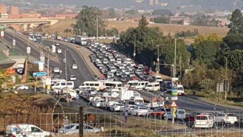 Striking PMB taxi drivers meet with Msunduzi Municipality to resolve e-hailing grievances