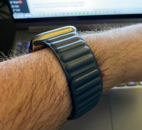 Living with the Apple Watch Series 6: A New Band and Some Solid Battery Life