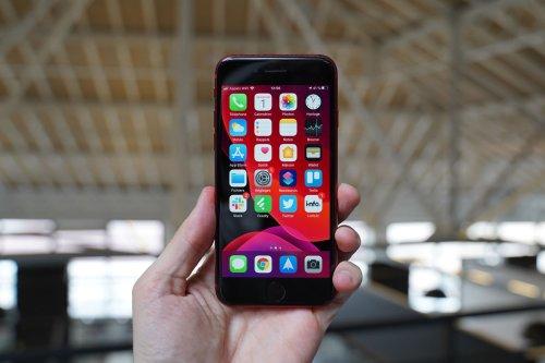 Un autre iPhone récent a aussi disparu de l'Apple Store...