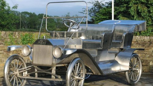 Cork In 50 Artworks, No 21: Model T Ford at Ballinascarthy, by Kevin Holland