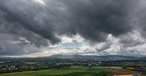 Met Eireann issue advisory for heavy thundery showers with 17 counties at risk