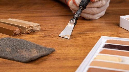 Как заделать царапину на ламинате самому: 5 простых способов