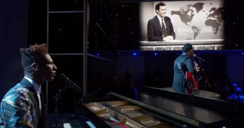 """Watch: Leon Bridges and Jon Batiste Come Together for a Moving """"In Memoriam"""" Tribute Performance at the 73rd Emmy Awards"""
