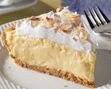 Coconut Cream Pie (15-Minutes Recipe)