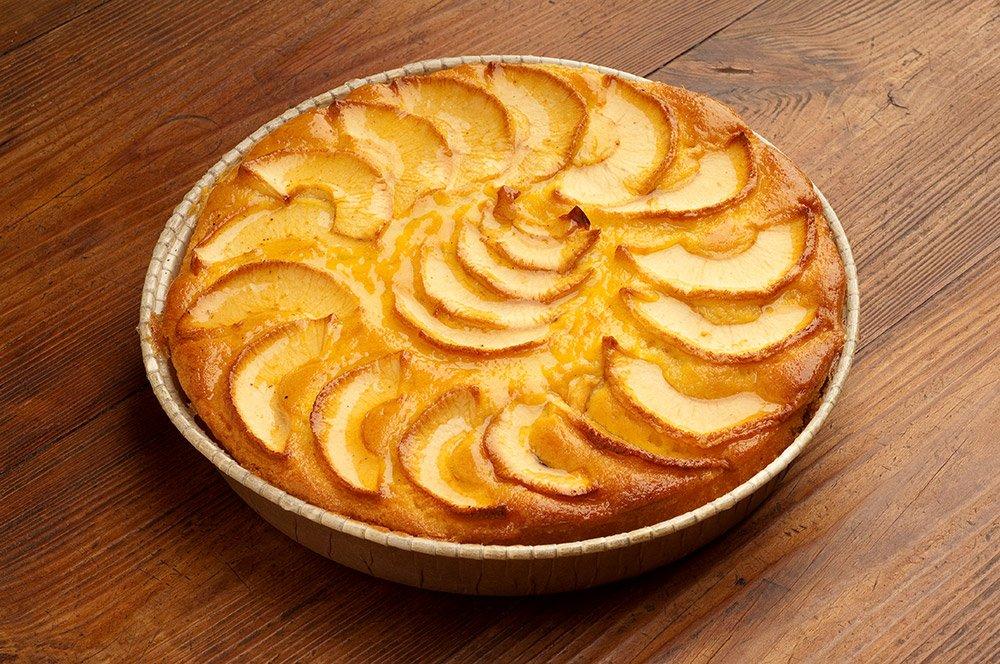 Italian Apple Amaretti Cake