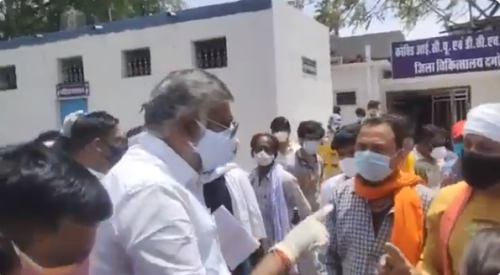 Desperate son asks for oxygen in Madhya Pradesh, Union Minister Prahlad Patel caught threatening him with 'two slaps' in viral video