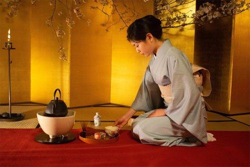 Sitzen in Japan: Fersensitz Seiza und Zabuton