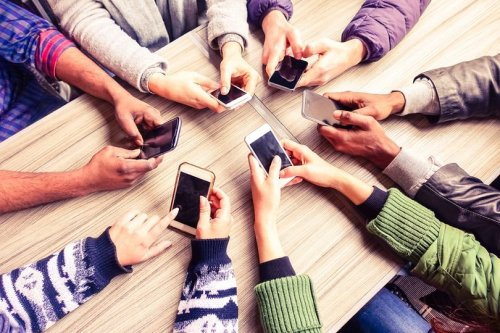 8 Tools to Enhance Your Customer Experience On Mobile