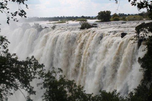 Naturwunder Victoria Falls: Mosi-oa-Tunya Nationalpark in Sambia