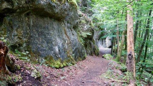 Fränkische Schweiz: Wanderparadies für Höhlenfreunde