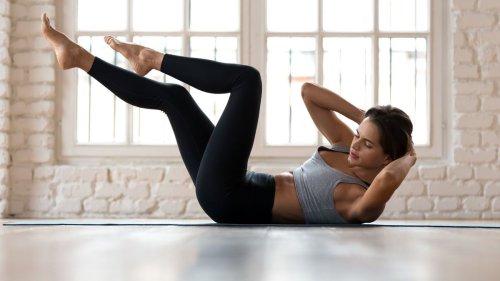 Bauchmuskeln trainieren: Übungen für Frauen