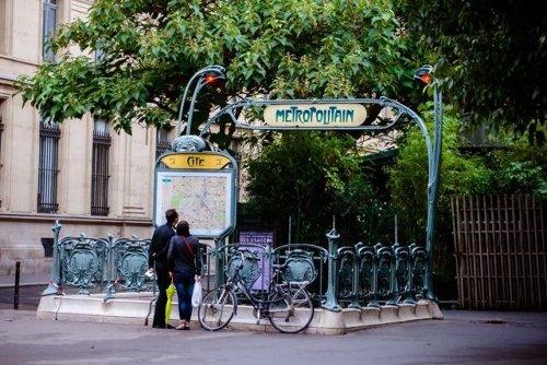 Transports parisiens : bientôt la fin du carnet de tickets !