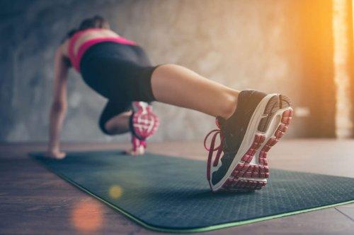 Sport à la maison : tapis, haltères, bandes fitness...