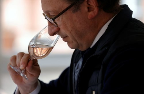 Israelis lost smell, taste from COVID-19 less than Canadians - study