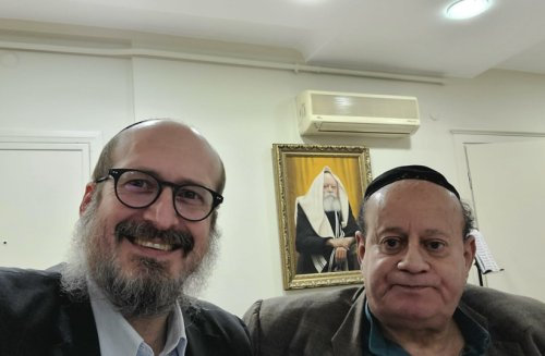 Afghanistan's last Jew departs for Israel after granting wife divorce