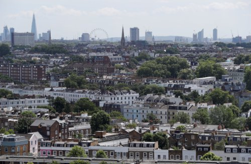 Rabbi hospitalized after being assaulted near London