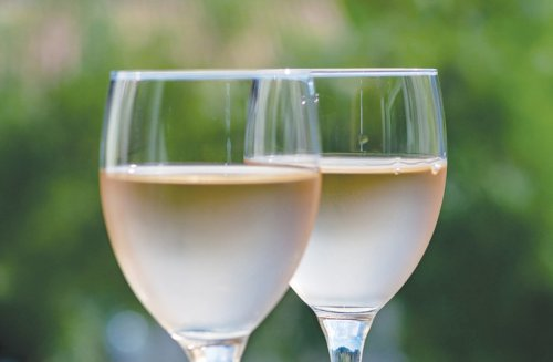 One out of seven patients diagnosed with cancer in 2020 drank alcohol