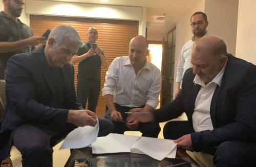 Lapid, Bennett, Abbas finalize coalition deal