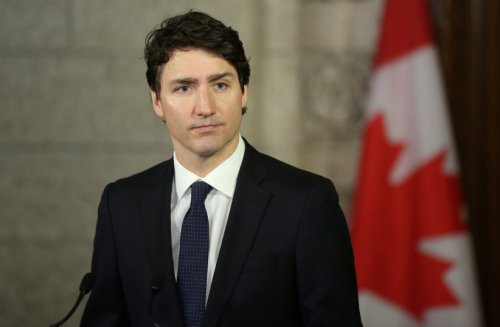 Canada's Trudeau ekes out narrow win in COVID-dominated election