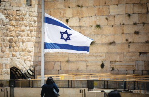 Shavuot: Kanievsky, Edelstein urge haredi Jews not to go to Western Wall