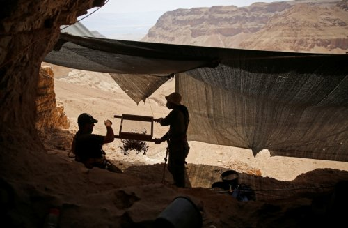 Dead Sea Scrolls scholar flushes out mystery