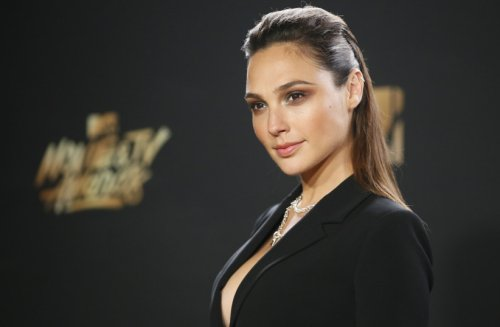 Gal Gadot, international celebrities speak out over Gaza crisis
