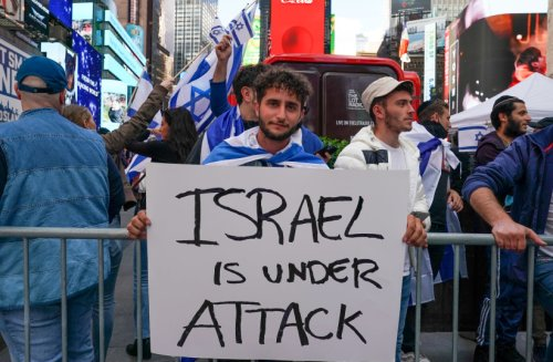 Rally-goers and protesters clash at 'We Are Israel' event