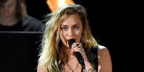Miley Cyrus to Perform at Super Bowl 2021!