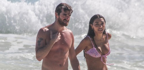 Drew Taggart & Girlfriend Chantel Jeffries Bare Their Hot Bods at the Beach in Mexico!