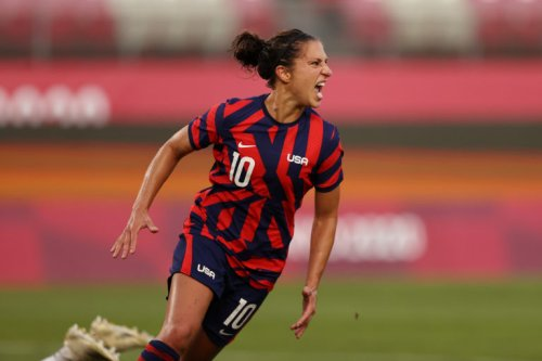 USWNT legends pay tribute to Carli Lloyd on storied career