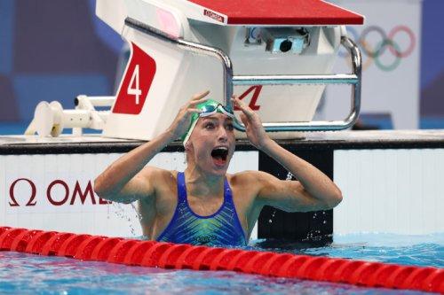 Tatjana Schoenmaker breaks first individual swimming world record of the Games