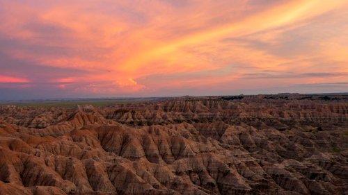 Dakotas deliver national parks with bison, badlands