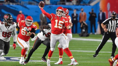 Kansas City Chiefs QB Patrick Mahomes 'ahead of schedule' in recovery from toe surgery