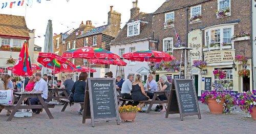 Kent set for 17C mini heatwave as beer gardens get warm weather boost