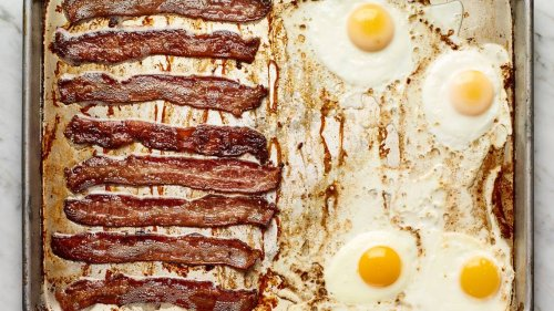 Easy breakfast: These bacon and eggs practically cook themselves