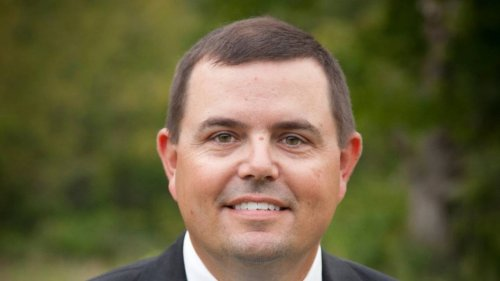 Ousted Kentucky Fish and Wildlife chief back on the job with a $140,000+ contract