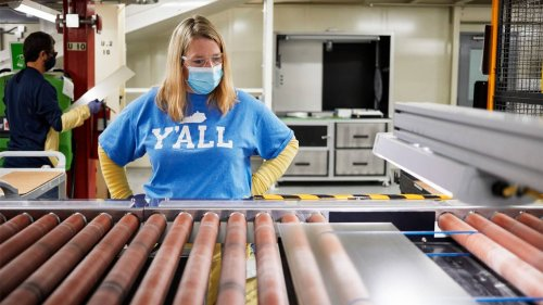 This KY factory makes the glass for every iPhone. Apple just gave it $45 million.