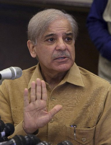Pakistan court grants bail to opposition leader