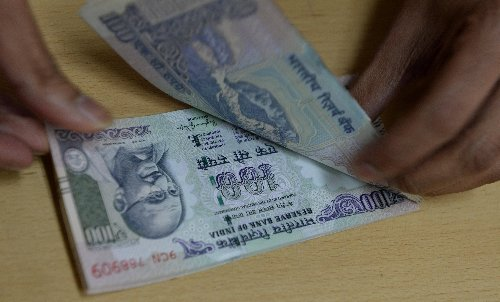 NRI Alert: Indian rupee falls to 20 against UAE dirham in early trade