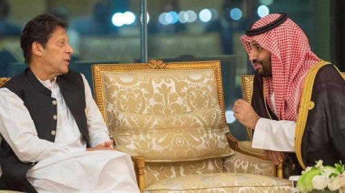 Pakistan's Imran Khan thanks Saudi Crown Prince for $4.2 billion financial support