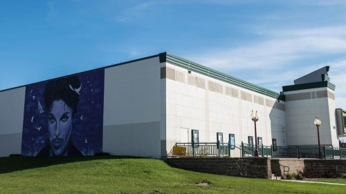 Some lucky fans will get to see Prince's ashes at Paisley Park