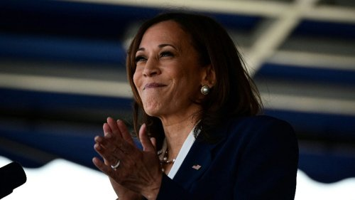 Kamala Harris Tweets 'Enjoy the Long Weekend' and White People who Call Other People 'Snowflakes' Got Reeeaally Triggered