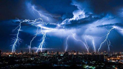 """No te duches en una tormenta eléctrica y otros """"mitos"""" que son ciertos"""