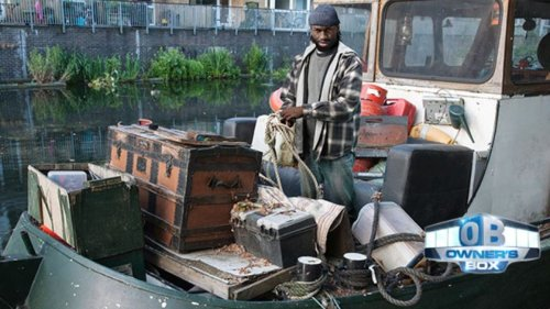 Owner's Box: Bearded Robert Griffin III Spotted Living In Houseboat On Chesapeake Bay