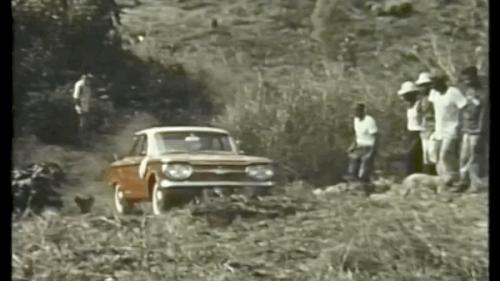 Por qué hay un viejo Chevrolet abandonado en la selva del Darién, la región más intransitable de Latinoamérica