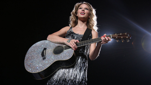 Taylor Swift forges ahead with a dreamy throwback in Fearless (Taylor's Version)