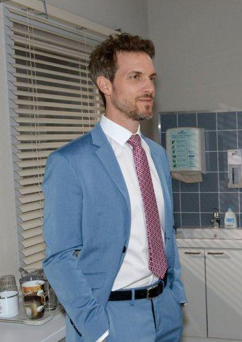 GZSZ: Verlässt Felix schon vor seiner Hochzeit den Kiez?