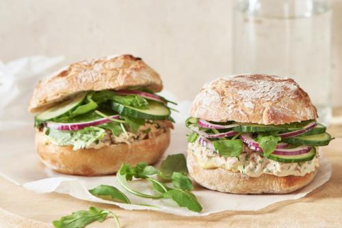 Sandwichs thon-mayonnaise maison, le régal sur le pouce