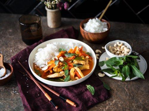 Rotes Thai Curry mit Hähnchen | Rezept mit Video | Kitchen Stories