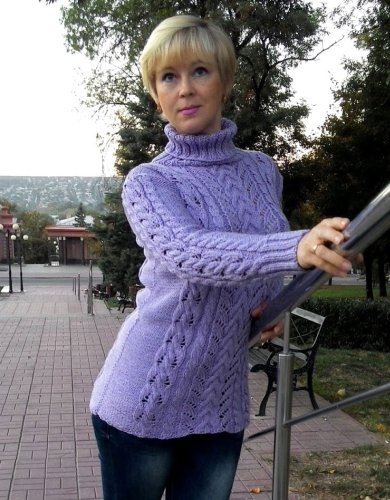 Free Knitting Patterns - Sweater with Lace Cables